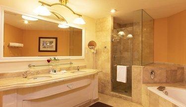 Baño habitación jr. suite Hotel Krystal Satélite María Bárbara Tlalnepantla de Baz