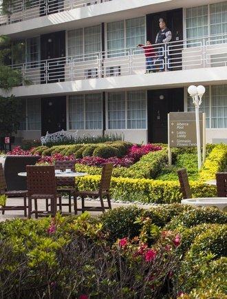 Jardín Hotel Krystal Satélite María Bárbara Tlalnepantla de Baz